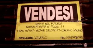 i cartelli nei negozi del centro di roma che rischiano di chiudere 1