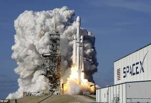 il lancio del falcon 9 di space x