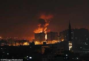 attacchi aerei israeliani a gaza 1
