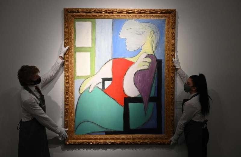 donna seduta vicino a una finestra picasso 6