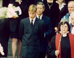 il principe william ai funerali di diana