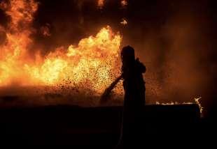 israele attacca la striscia di gaza 12