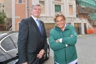 l ambasciatore tomaz kunstelj e raffaele curi foto di bacco