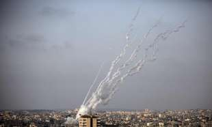 lanci di razzi su israele