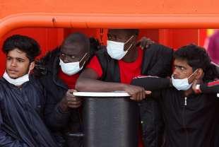 migranti lampedusa 10