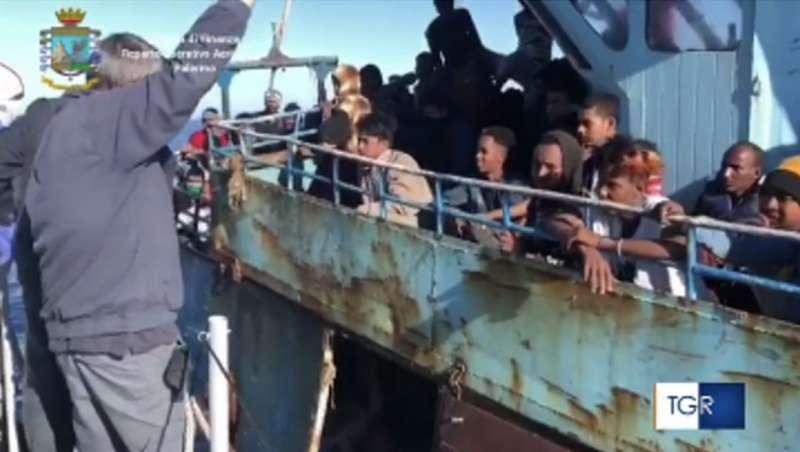 migranti lampedusa 4