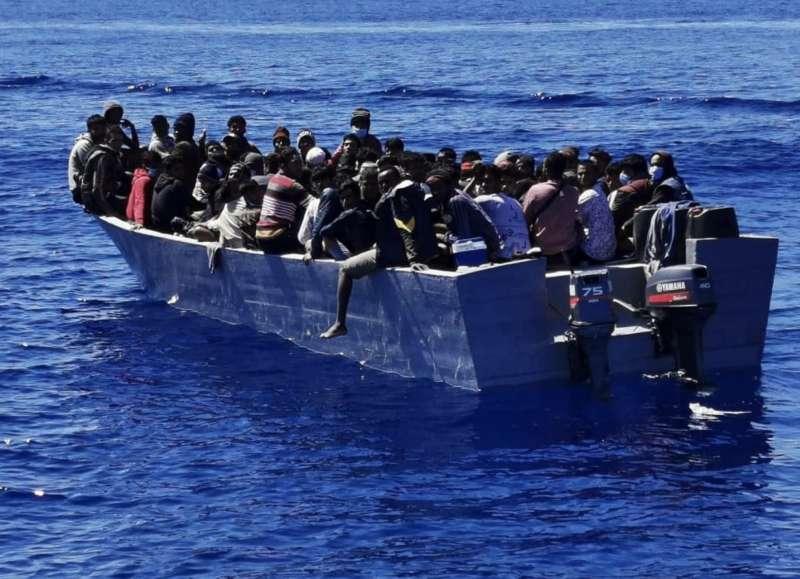migranti lampedusa 6