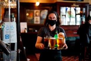 riapertura pub uk