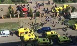 sparatoria in una scuola di kazan, russia 11