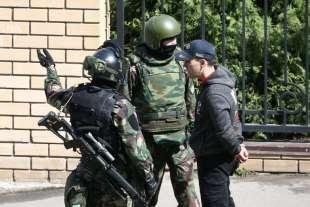 sparatoria in una scuola di kazan, russia 2