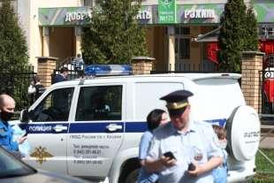 sparatoria in una scuola di kazan, russia 8