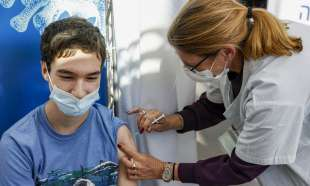 Vaccino adolescenti