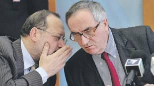 a sinistra il procuratore aggiunto di milano alfredo robledo, a destra il procuratore capo edmondo bruti liberati