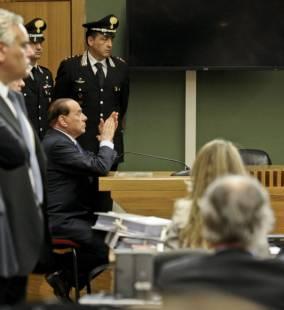 berlusconi al tribunale di napoli per il processo lavitola