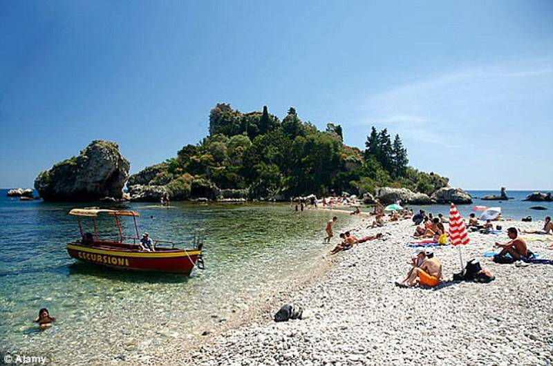 isola-bella-a-taormina-559603.jpg