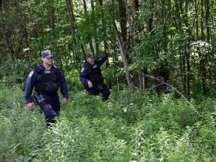 polizia a caccia degli evasi