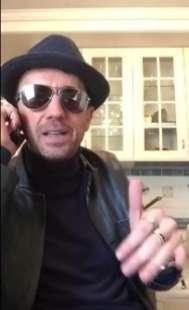 ANDREA SCANZI NEL VIDEO SU FASSINO