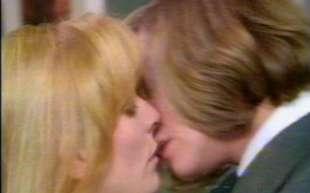 il primo bacio gay sulla bbc
