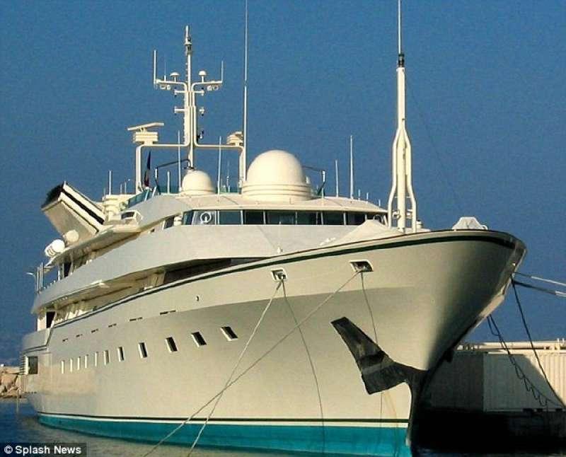 lo yacht nabila dago fotogallery