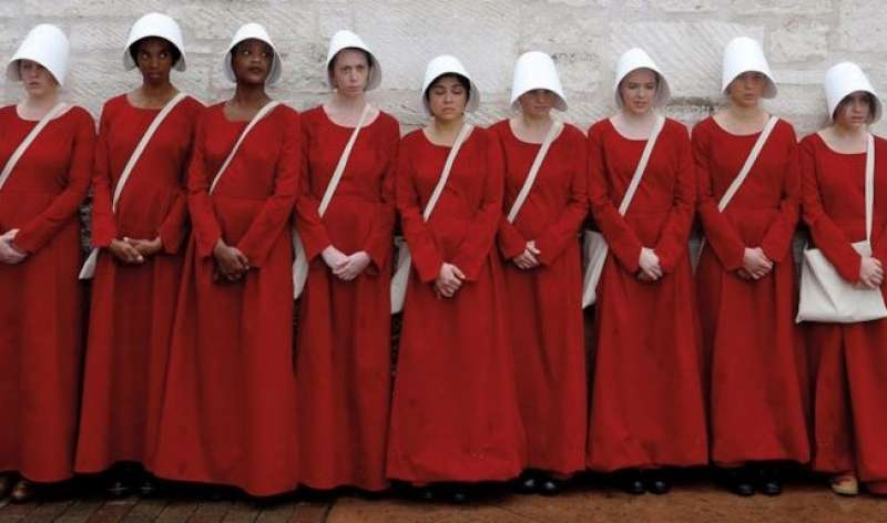 femministe vestite da ancelle 6