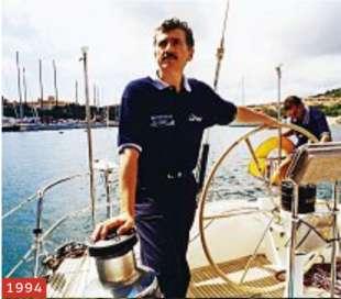 massimo d'alema nel 1999 sulla barca a vela icarus ph roberto koch:contrasto