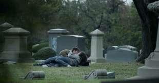sesso al cimitero