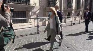 maria cristina rota arriva a palazzo chigi