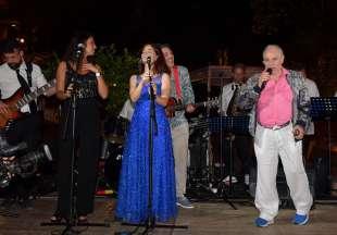 edoardo vianello canta con la sua orchestra foto di bacco (3)
