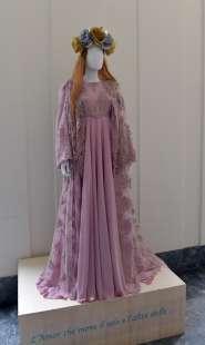 gli abiti realizzati da regina schrecker foto di bacco (3)