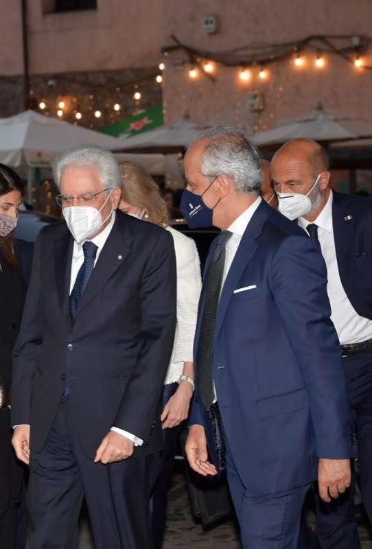 il presidente mattarella e il prefetto piantedosi foto di bacco