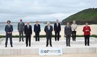 la foto dei leader al g7