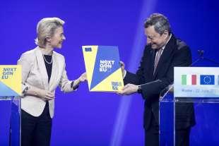 ursula von der leyen consegna a mario draghi la pagella di bruxelles al recovery plan italiano 1