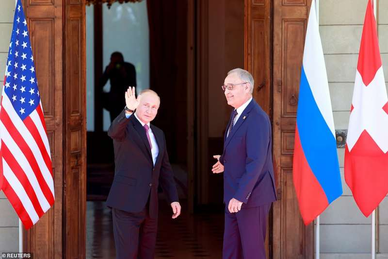 vladimir putin con il presidente svizzero guy parmelin