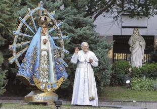 LA STATUA DI PAPA FRANCESCO A BUENOS AIRES