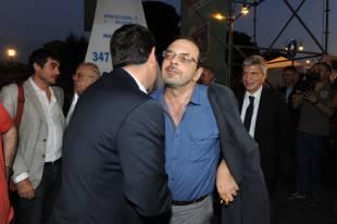 alexis tsipras saluta curzio maltese (2)