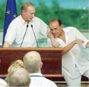 BERLUSCONI E PUTIN A VILLA CERTOSA NEL 2003