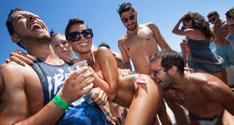 uomini gay muscolosi escort lago garda