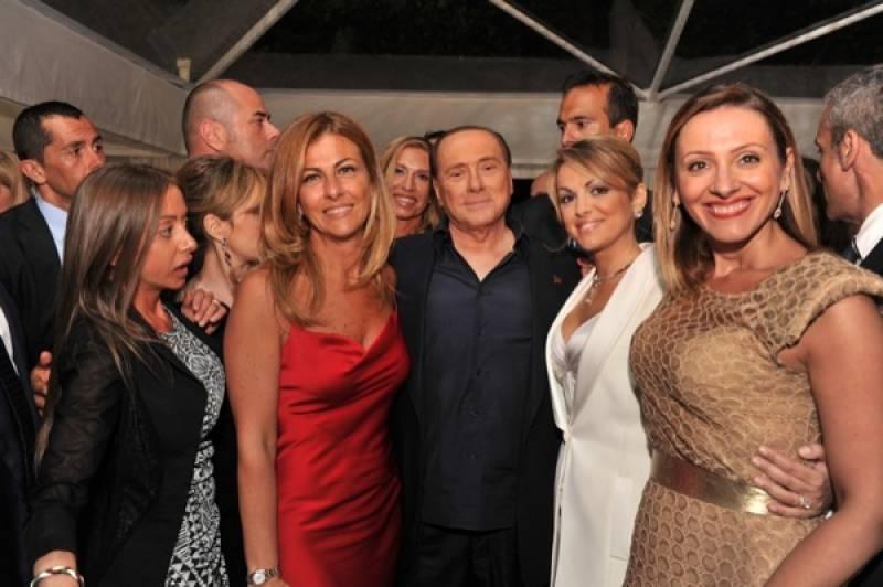 Cena fund raising di forza italia berlusconi maria rosaria for Senatori di forza italia