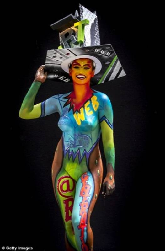 Naked Vegas: a brush with the art of body painting Media