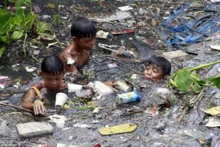 bambini nelle filippine