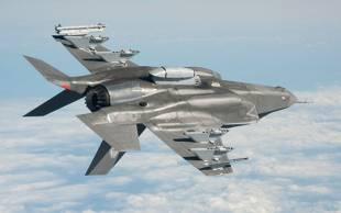 f35 volo rovesciato