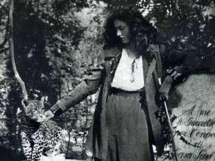 virginia agnelli con leopardo al guinzaglio