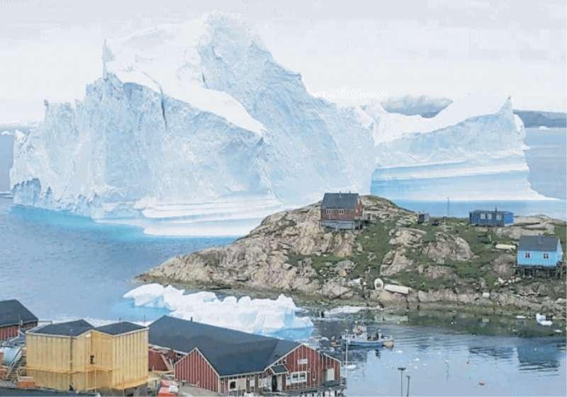 groenlandia iceberg si stacca a innaarsuit