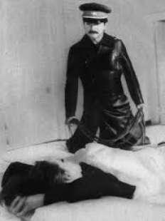 sai cosa faceva stalin alle donne? 1