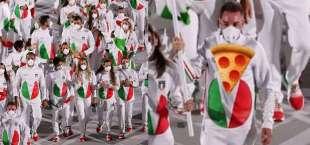 meme sulla delegazione italiana alla cerimonia inaugurale di tokyo 2020