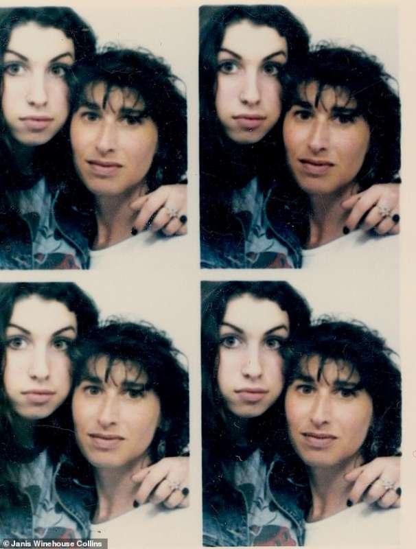 Amy Winehouse da ragazza con la madre