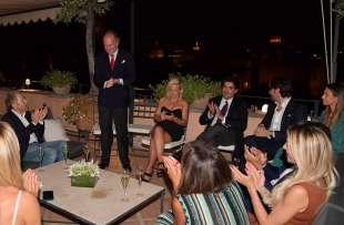 arturo artom ringrazia gli ospiti foto di bacco