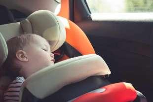 Baby sitter dimentica bimba 2
