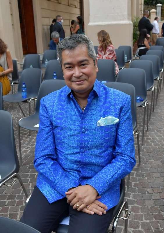 il principe della famiglia reale della cambogia sisowath ravivaddhana monipong foto di bacco