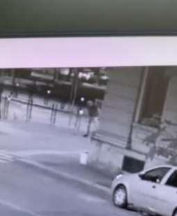 il video dell'aggressione di youns el boussettaoui a massimo adriatici 2